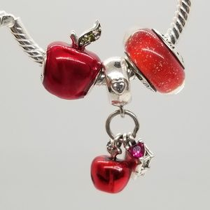 3 Charms Snow White's Apple and Heart, red murano